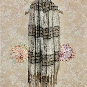 Isaac Mizahi Blanket Scarf